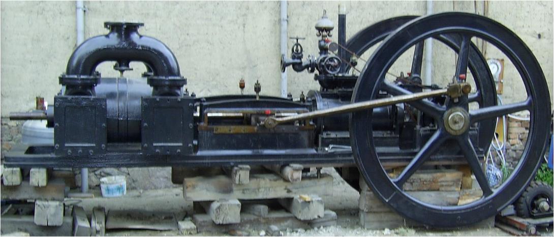 Dampfmaschine mit Vakuumpumpe